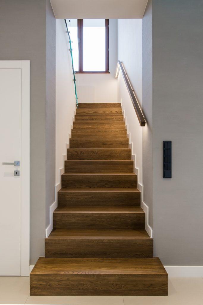 Rodzaje oświetlenia schodów